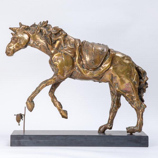 Salvador Dalí (1904-1989)  - Le cheval à la montre molle, gilt bronze