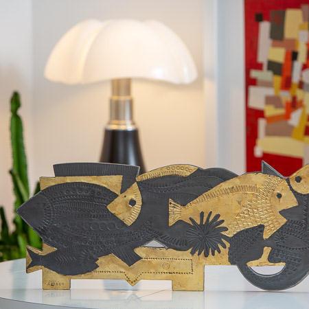 Roger CAPRON (1922-2006)  - Les poissons, plomb poinçonné doré partiellement à la feuille