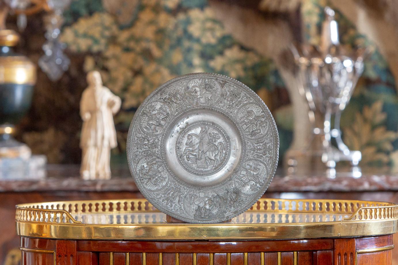 Paulus Öham le Jeune (1634-1671)  - Petite assiette dite patène représentant l'empereur Ferdinand III