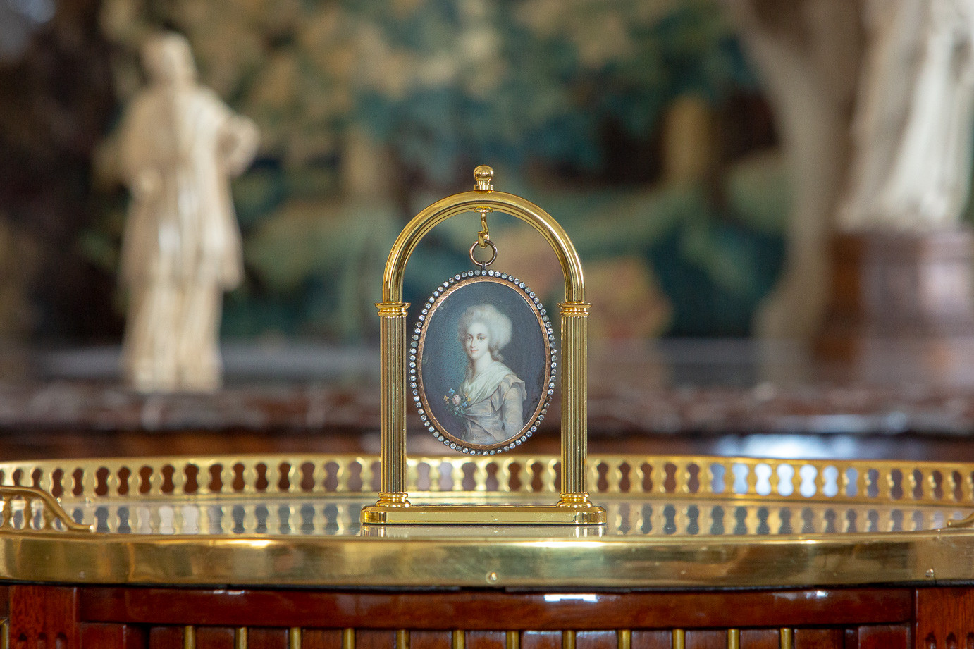 Attr. to François Dumont (1751-1831)  - Beautiful and important miniature of Princess Elisabeth of France