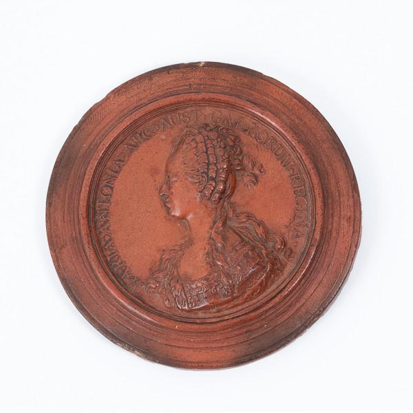 Jean-Baptiste NINI (1717-1786)  - Queen Marie-Antoinette's medallion profile