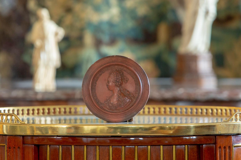 Jean-Baptiste NINI (1717-1786)  - Médaillon de la reine Marie-Antoinette de profil