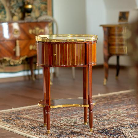 Attr. à Jean-Henri Riesener (1734-1806)  - Table à en-cas Royale du château des Tuileries