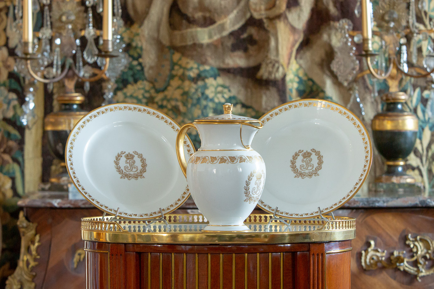 Royal Sevres Manufacture  - All of Louis-Philippe's «Le Service des Princes» at the Tuileries Castle