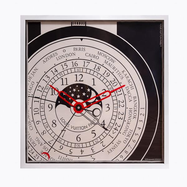Gae Aulenti (1927-2012)  - Grand carré de soie créé pour la sortie de la montre Louis Vuitton