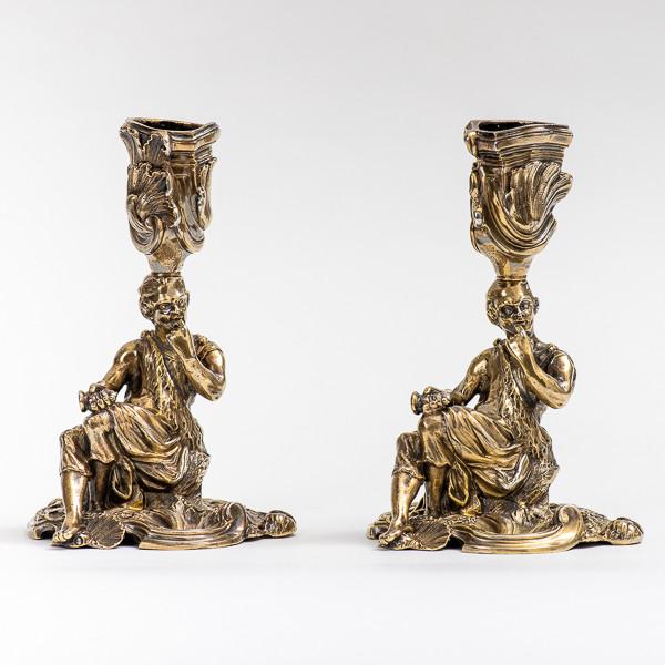 Robert GARRARD II (1793-1881)  - A pair of silver-gilt candelsticks
